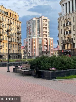 Парадная ул., 3к2
